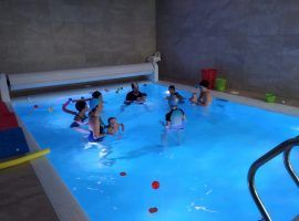 First sessions of aquatic stimulation with babies